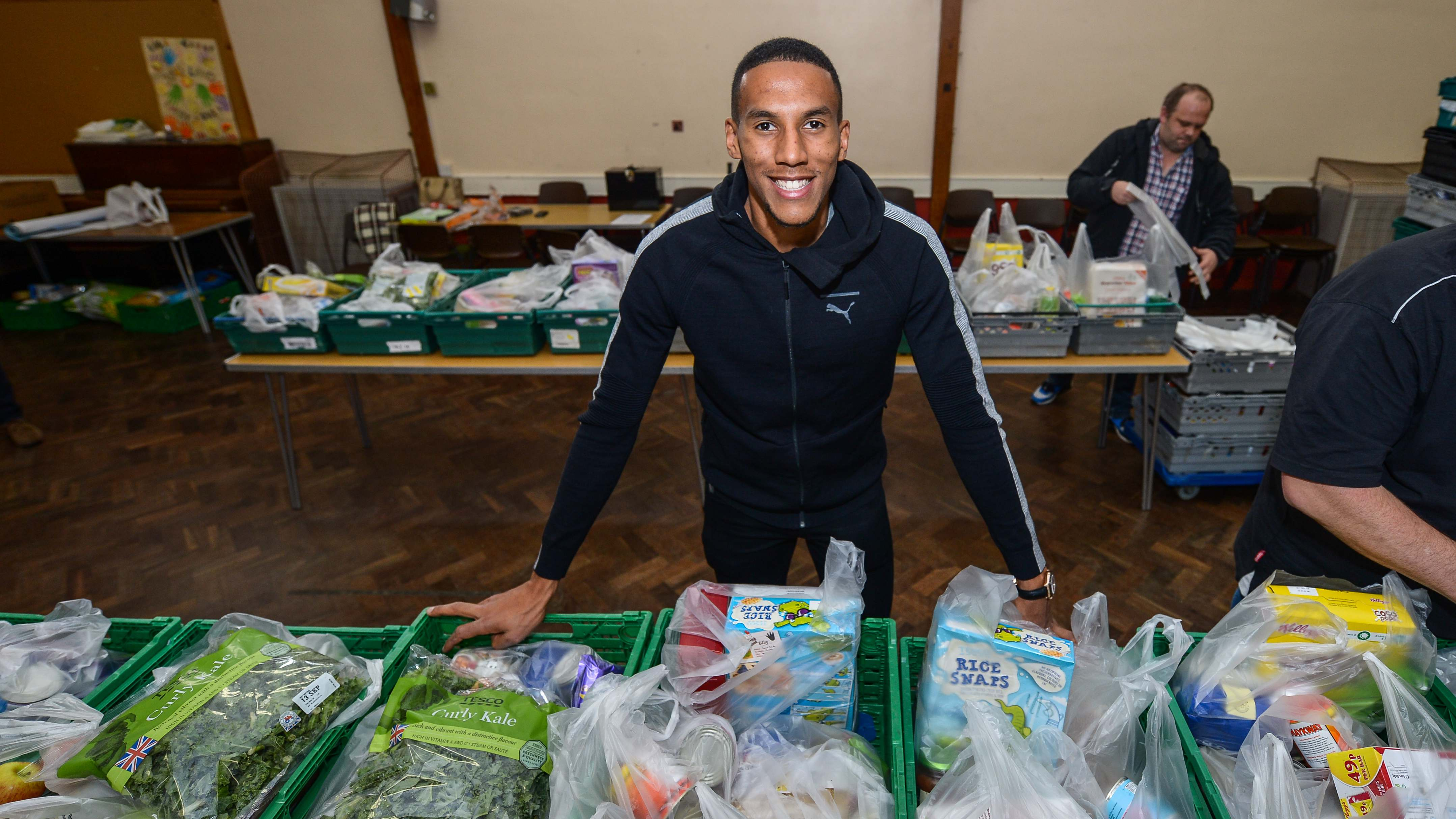 Newcastle United Magpies Host Fsf Foodbank Event
